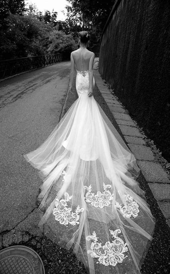 http://www.modwedding.com/2015/10/alessandra-rinaudo-wedding-dresses-2016-collection/
