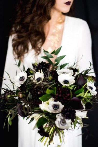 http://www.wantthatwedding.co.uk/2016/10/30/pull-off-chic-black-wedding-theme/