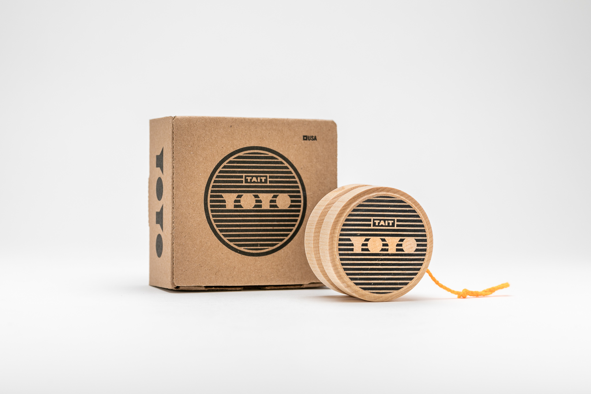 THE PACKAGING - –CUSTOM, RECYCLED KRAFT–Each YOYO arrives in a recycled kraft box, custom made to fit it perfectly inside.