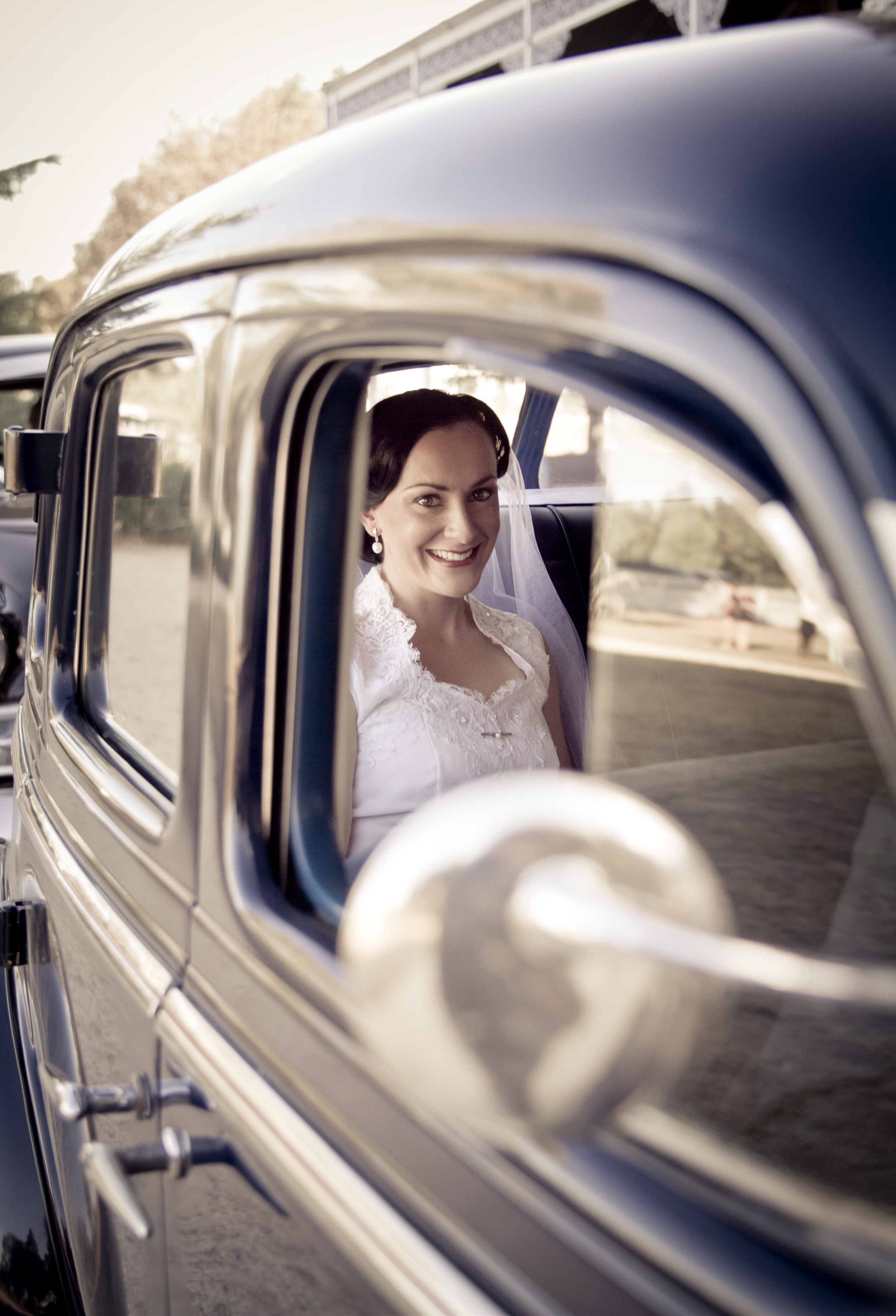 1 Bride in Wedding Car.jpg