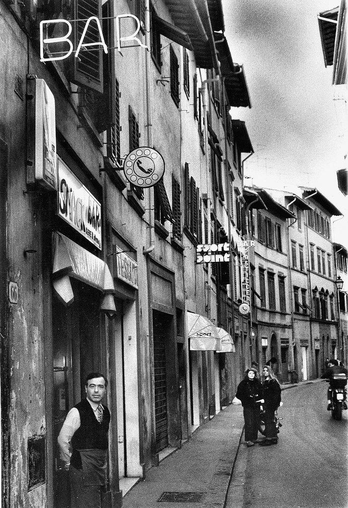 Florence Steet Scene Dimitriclark.jpg