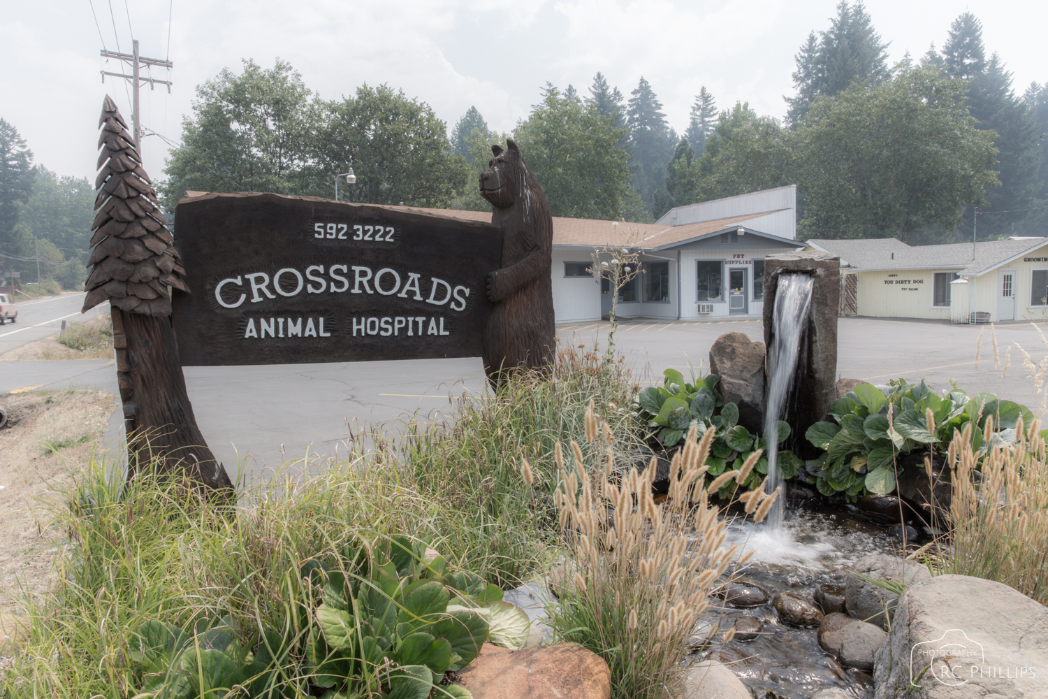 1/25 Sec. @ f/22 and ISO 100  Dan Fiske owned and operated this animal hospital.
