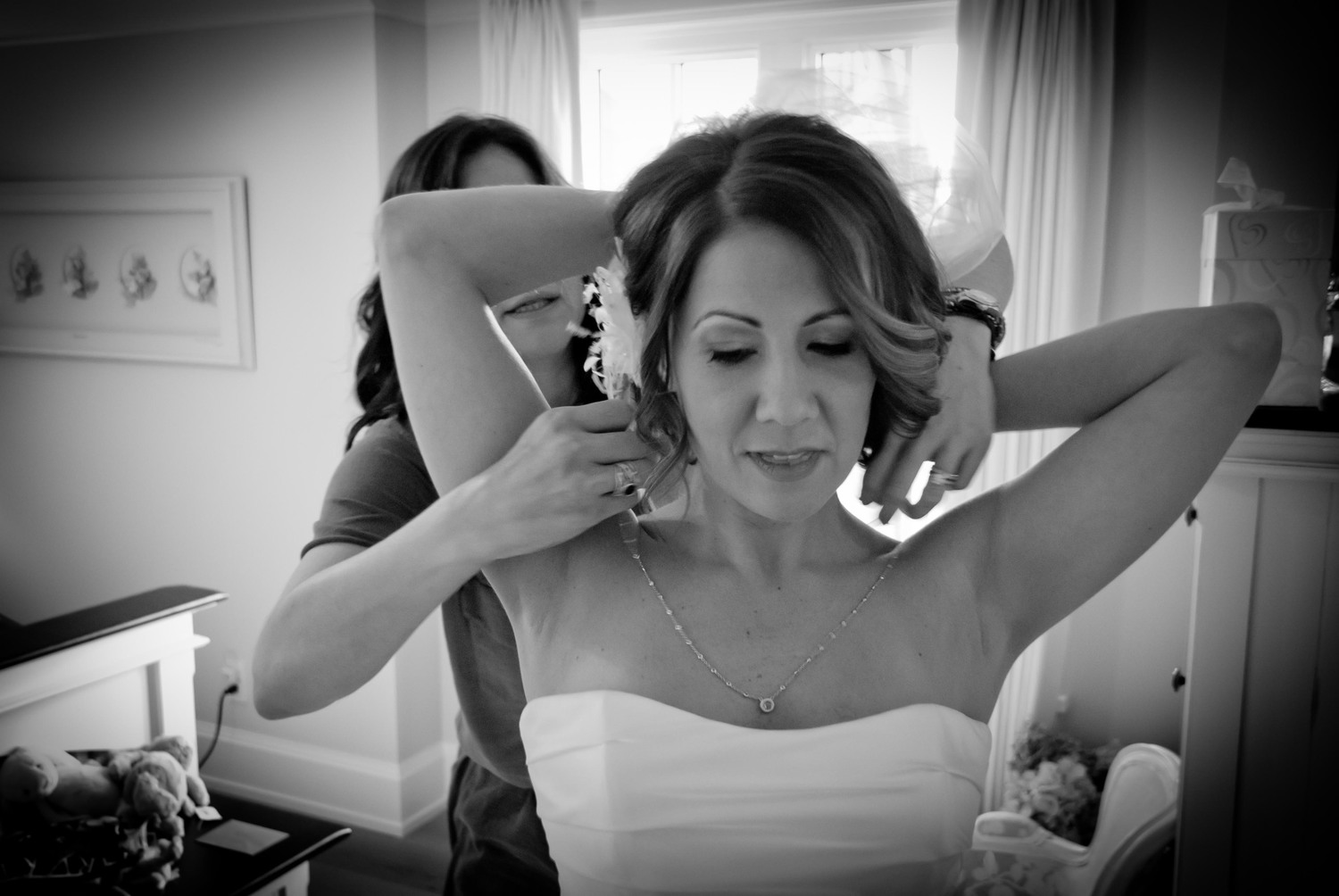 Best Friend Helps Bride Get Ready for Ontario Wedding