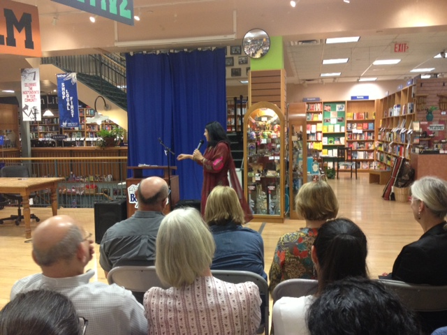 at book people reading.JPG
