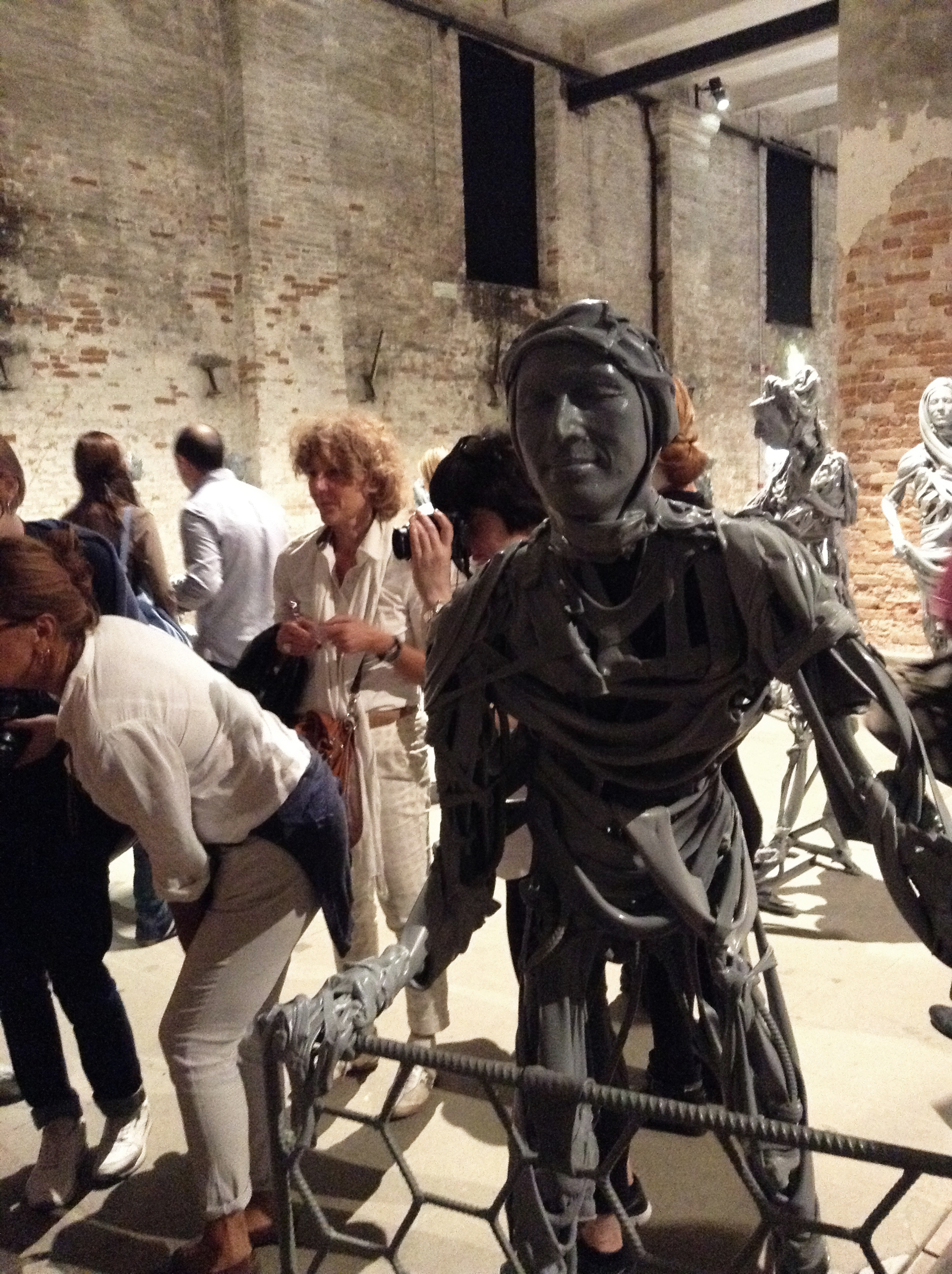 Sarah Pierroz Biennale Pawel 09.jpg