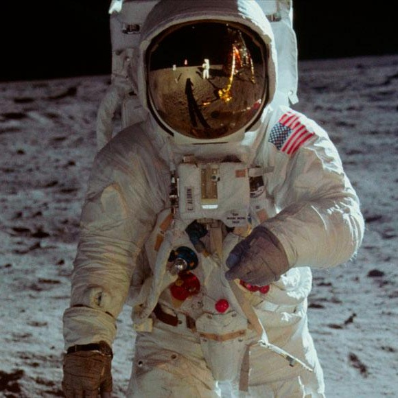 Apollo11_moon_1500x580.jpg