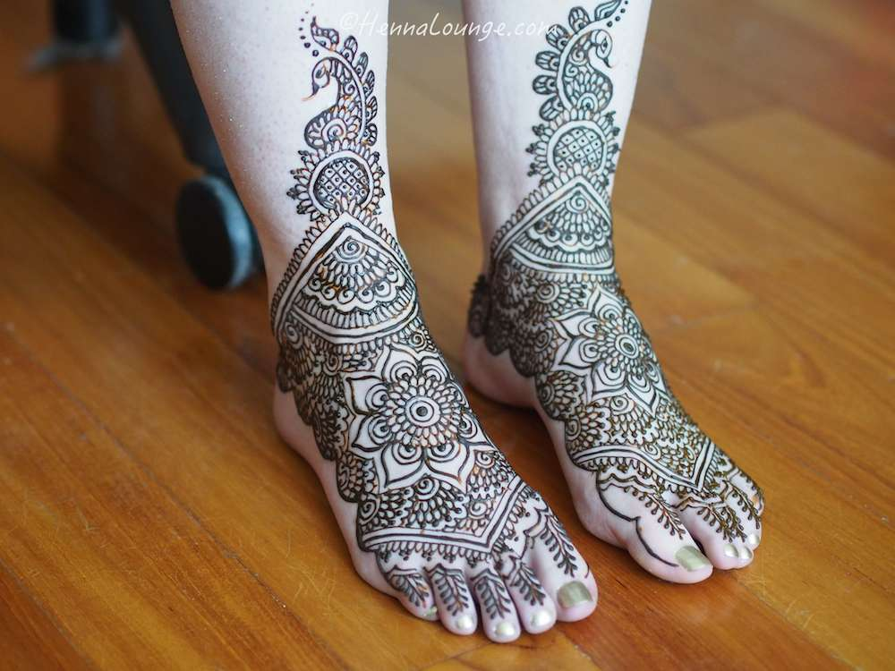 Traditional mandala pattern for the feet by  www.hennalounge.com