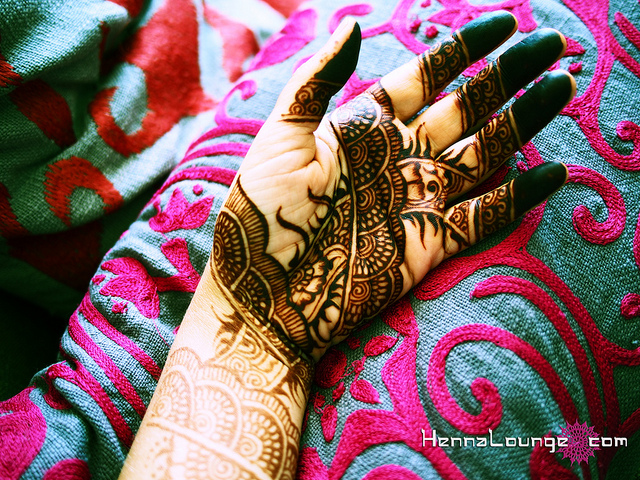 Cross-processed image makes the henna look even darker!