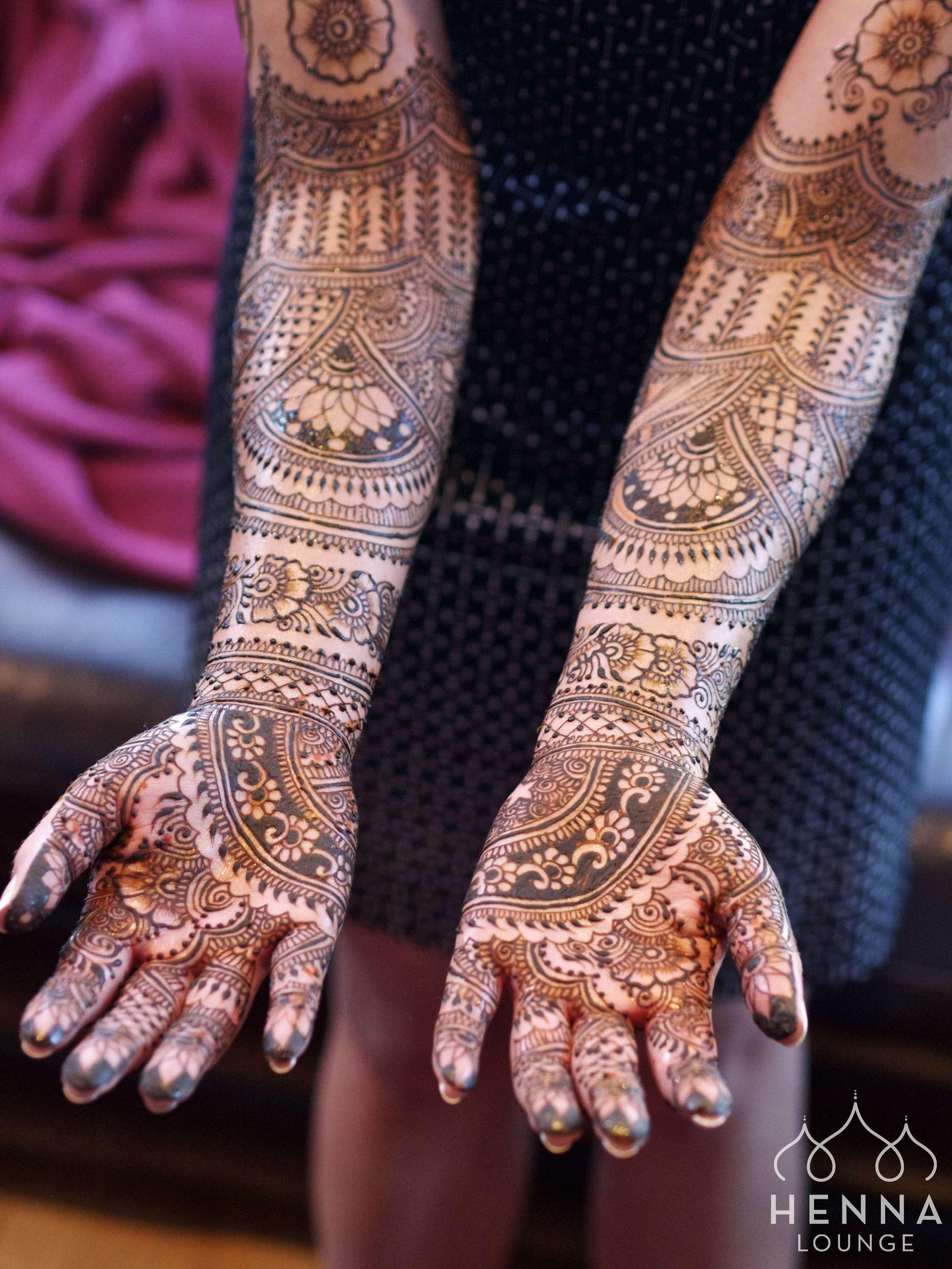 Bespoke bridal mehndi by www.hennalounge.com