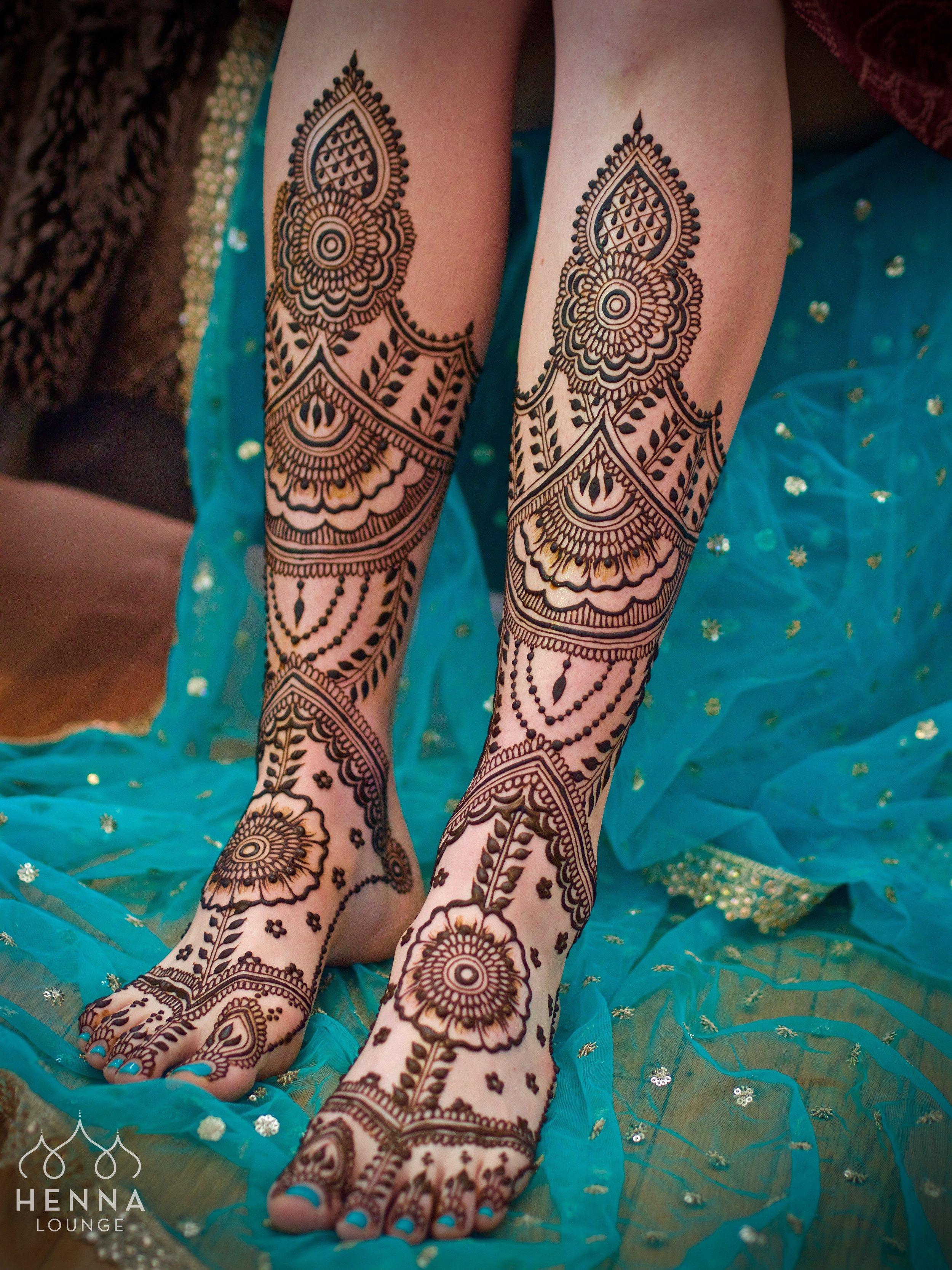 maple mehndi style henna.jpg