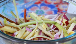 summer-fruit-slaw_320.jpg
