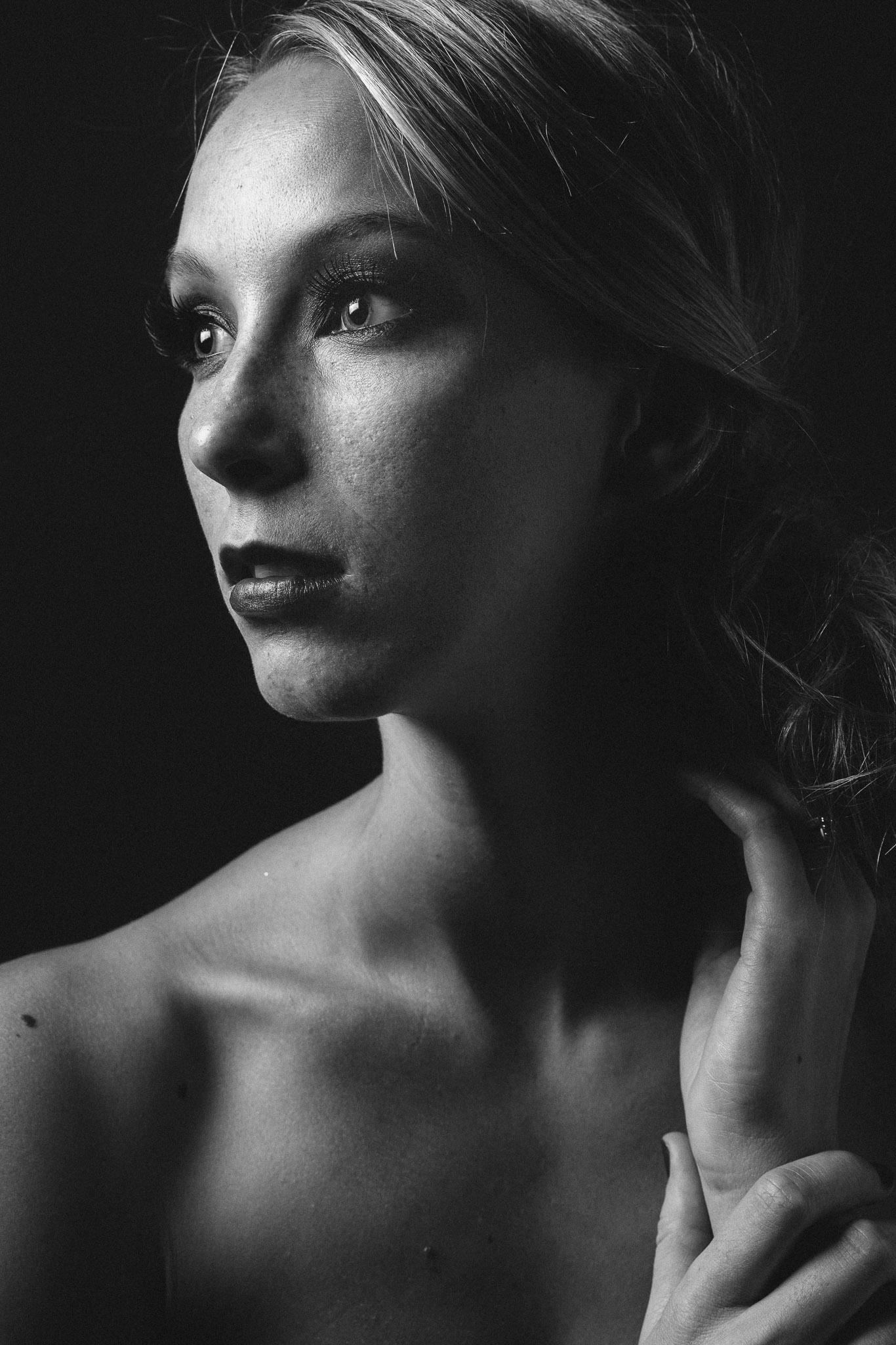 Model:Nicolette Grenier  Cameras used: Sony A7  Lens:Sonnar T* FE 55mm F1.8 ZA