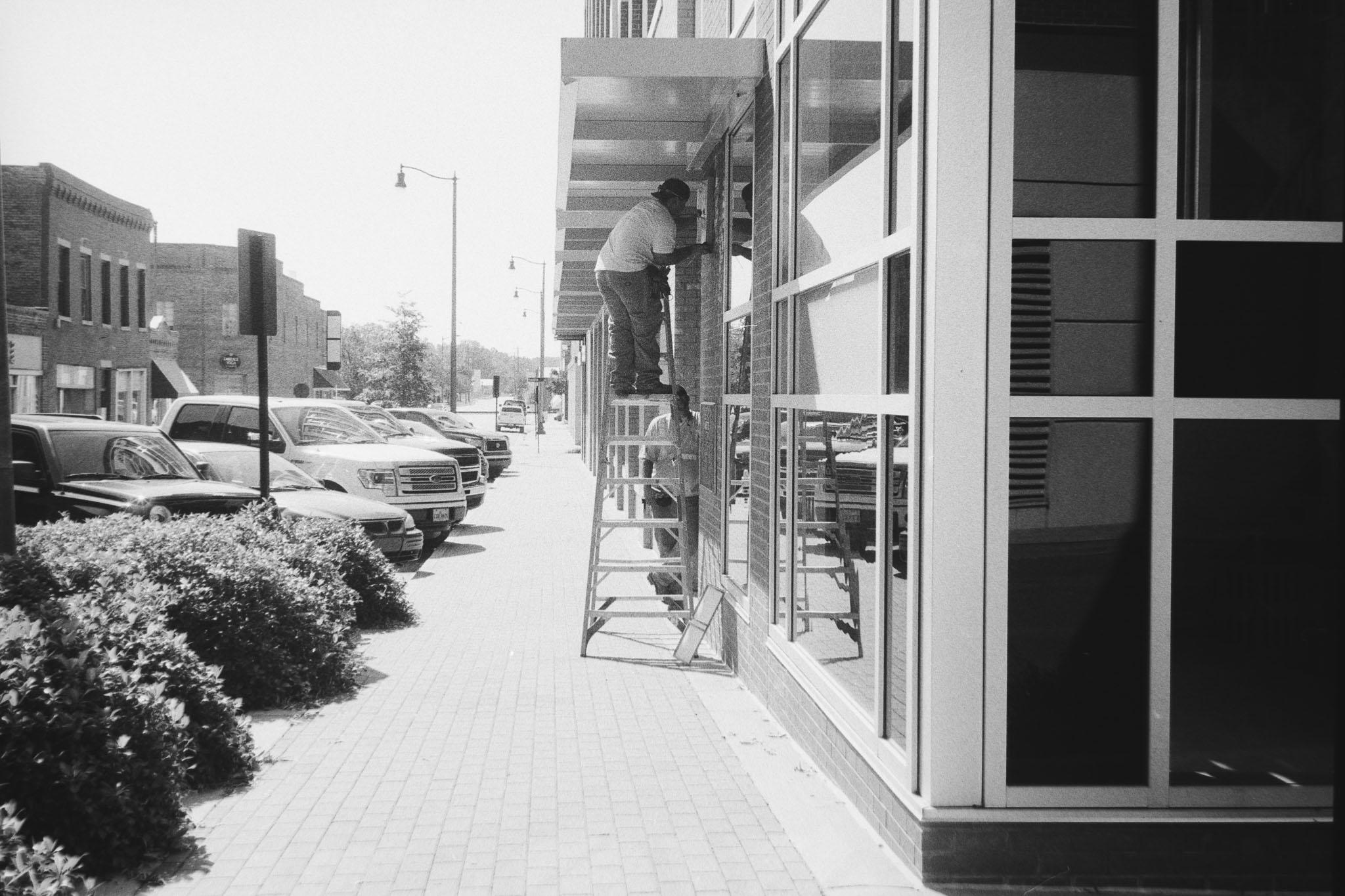 Camera:Minolta CLE  Lens: 40mm M Rokkor  Film: HP5 @ 800