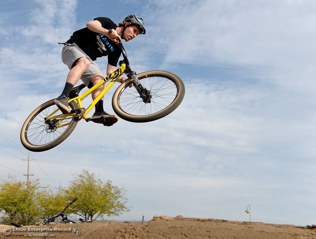 Local Pro Rider Kyle Warner Gets Big Air Testing the New Pump Track