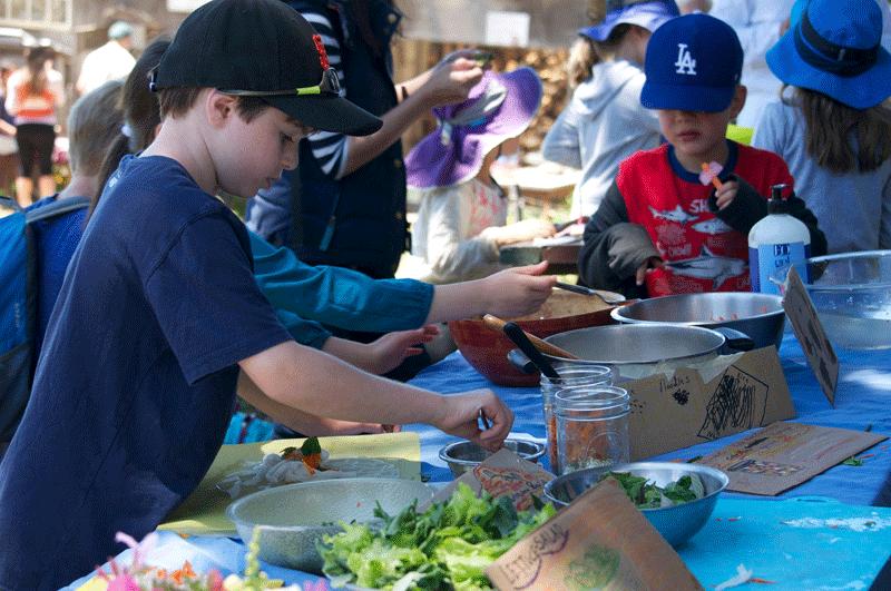 kids-making-salad.png