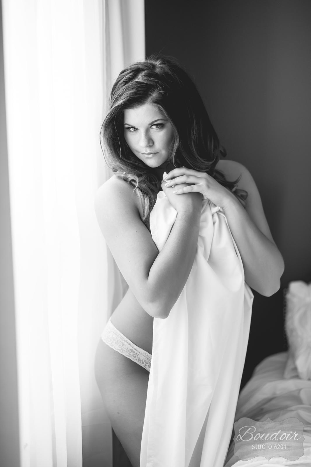 boudoir-studio-6201-summer-in-the-sheets016.jpg