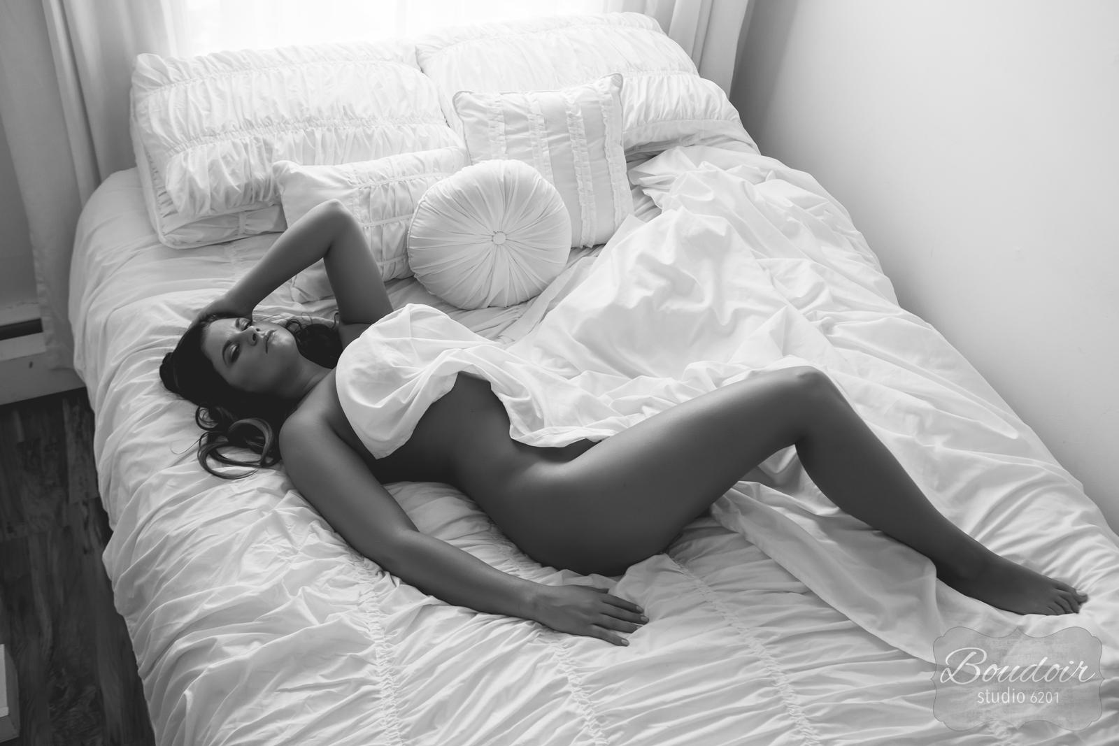 boudoir-studio-6201-summer-in-the-sheets026.jpg