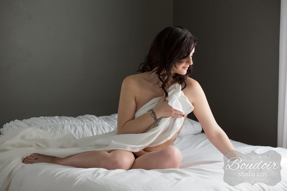 boudoir-studio-6201-summer-in-the-sheets084.jpg