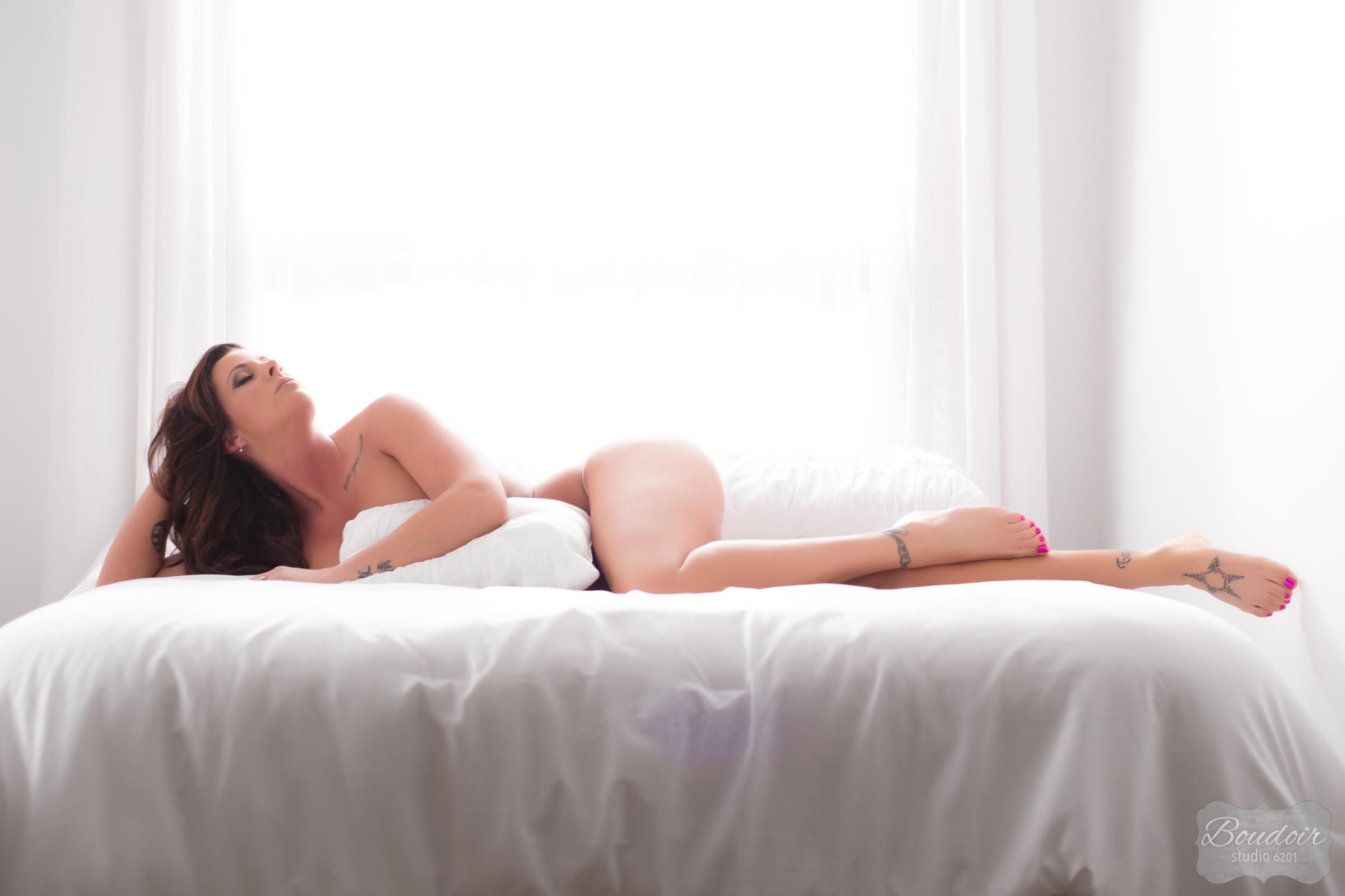 boudoir-studio-6201-summer-in-the-sheets095.jpg