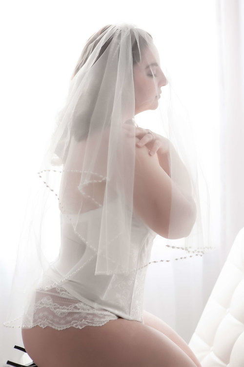 best-wedding-gft-ever-bridal-boudoir-001.jpg