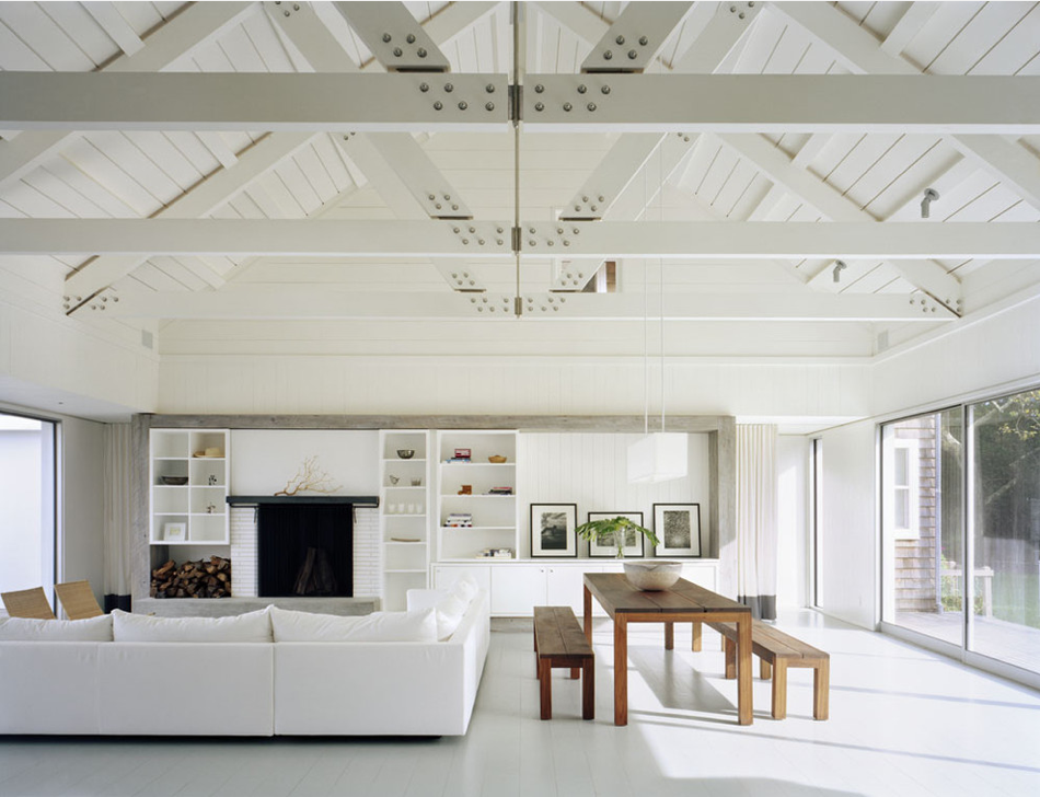 For the interior, we wanted to design a space that felt open and airy. We were inspired by uniform colour palettes and exposed structural details that created a sense of harmony on the inside to focus views to the outdoors, as seen in this photo. ( Robert Young Architects )