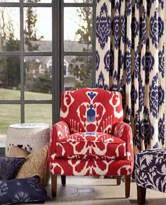 Ikat patterns in upholstery and drapery will make a bold statement in your living area! ( Coras de Casa )