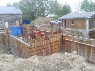 Construction of the new contemporary addition.