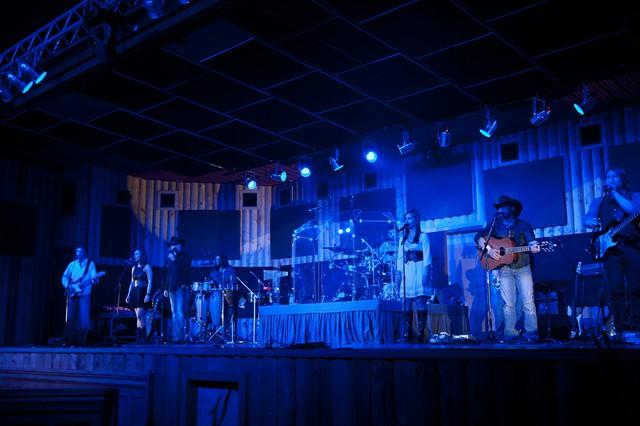 bush_gal_band.jpg