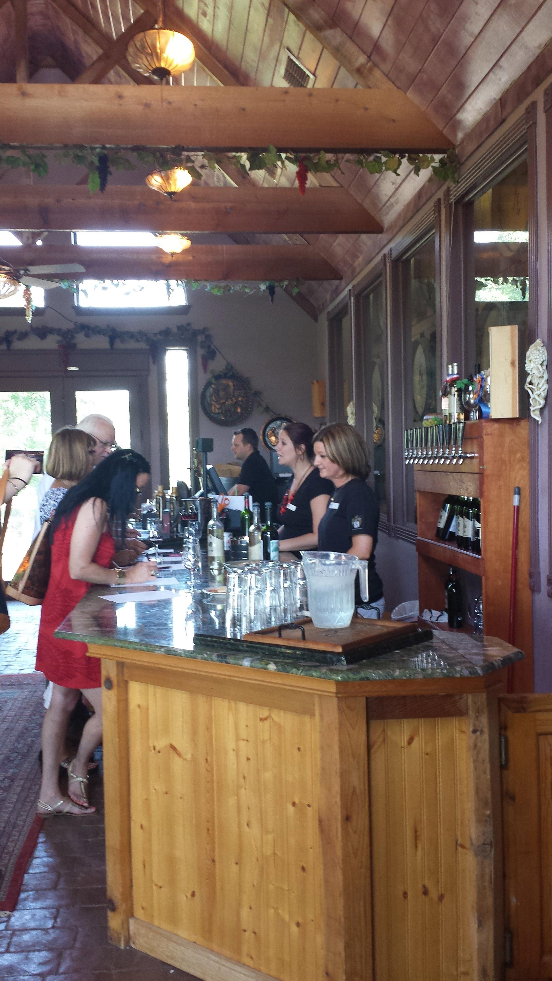 blog_wine_tasting_room.jpg