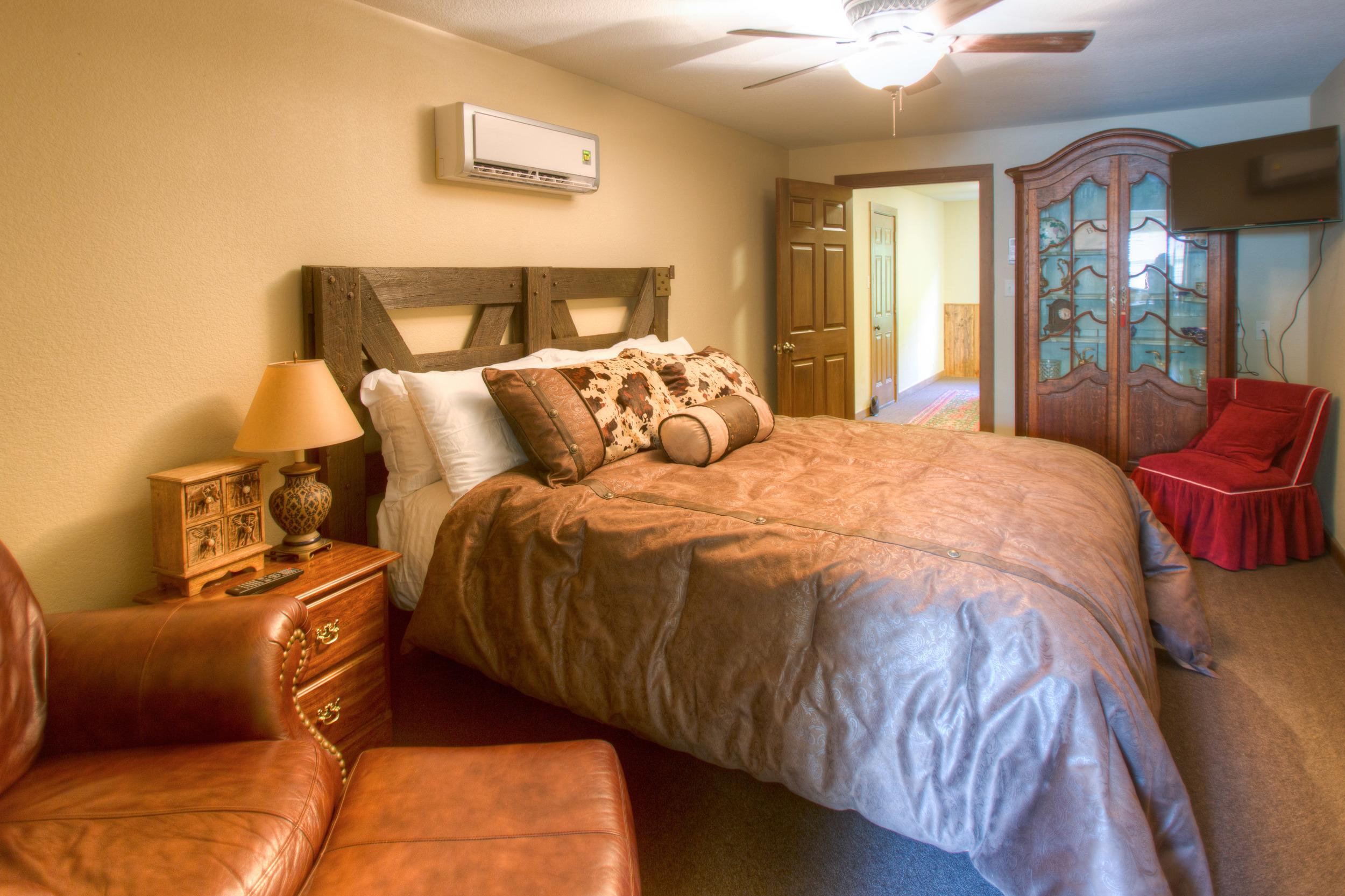 Upstairs Kingsburg Room