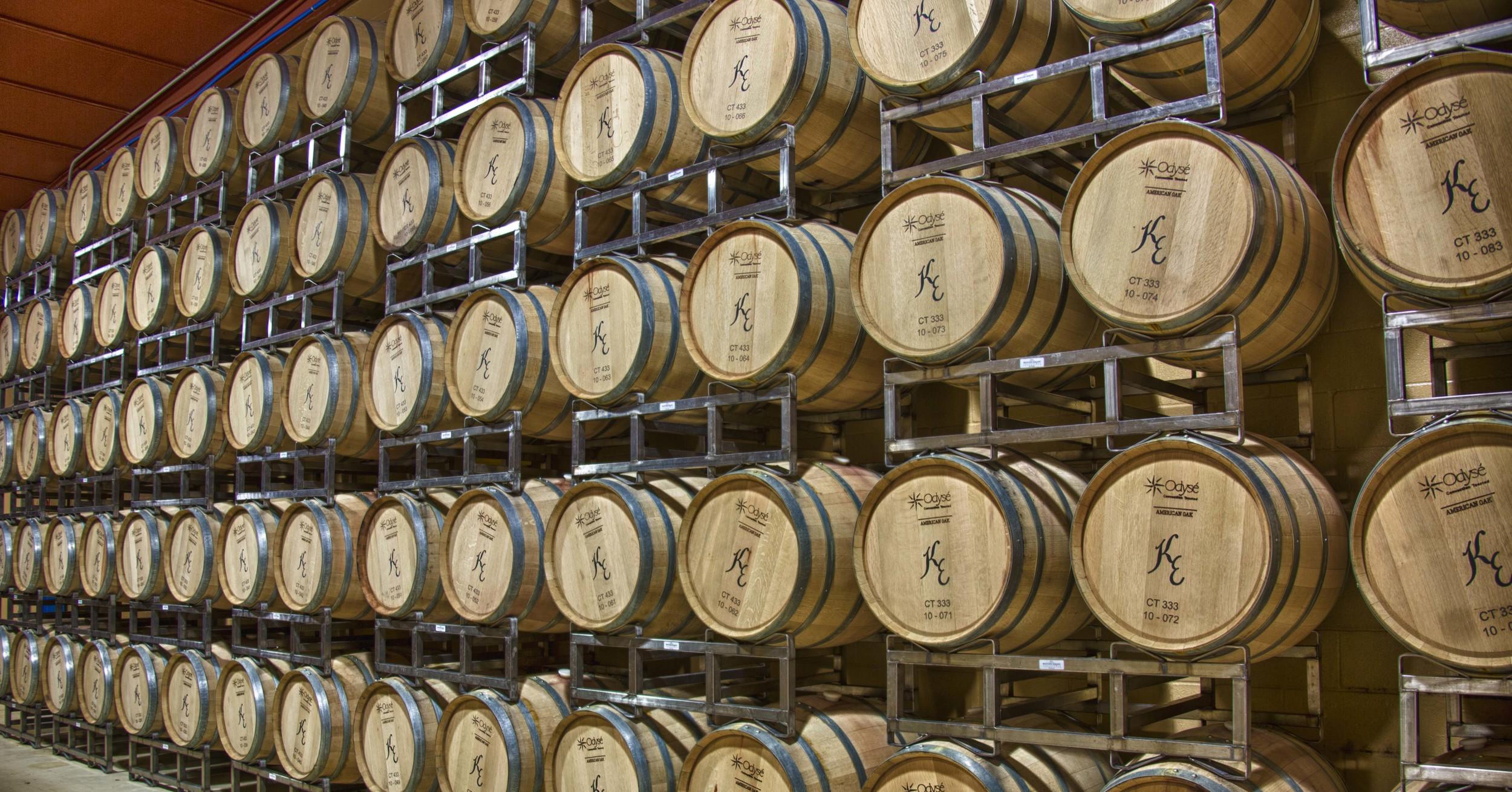 wall_of_wine_barrels_kiepersol.jpg