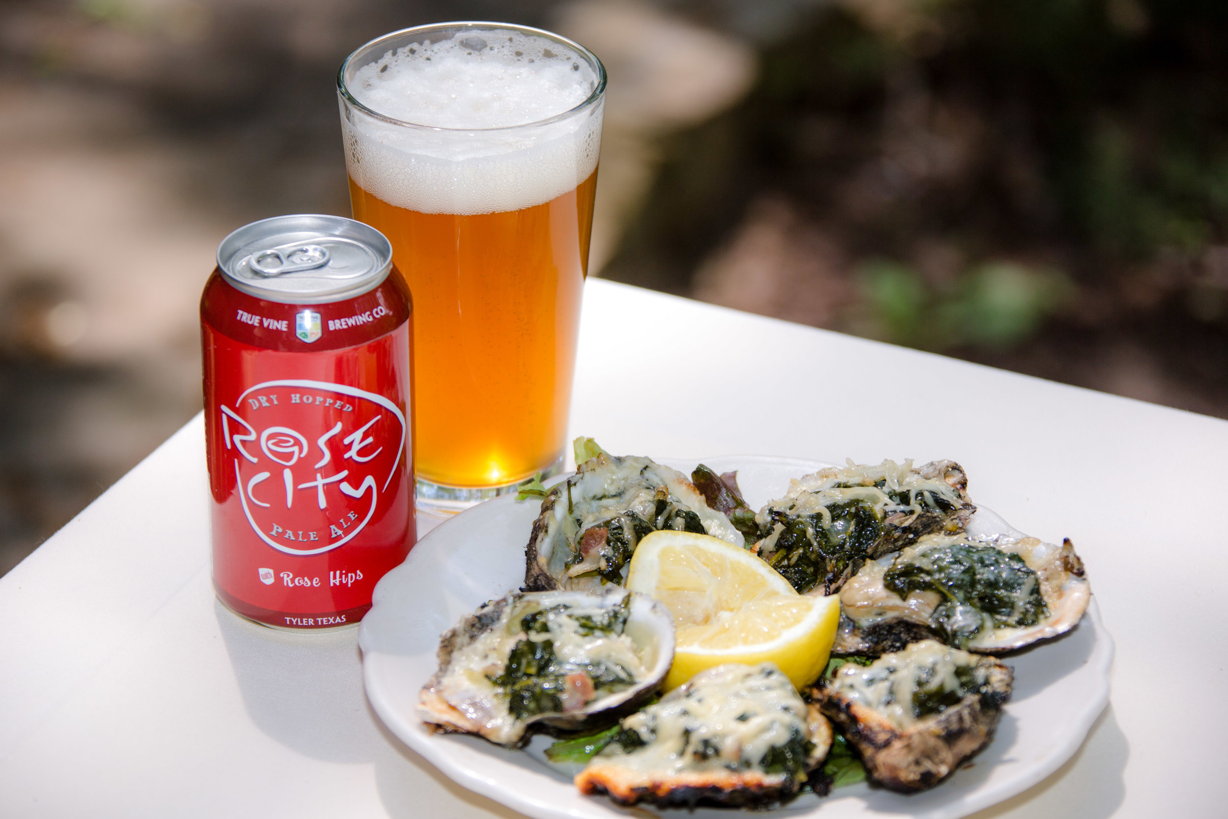 kiepersol_oysters_with_true_vine_beer.jpg