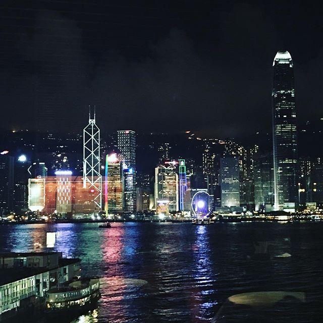 Back in Hong Kong after two long weeks of business trip in China. #backinhongkong #ilovemyjob #businesstrip #workandtravel #designerlife #hongkong #ilovehk #kowloon #kowloonnightview #nightlife