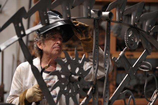dylan-welding_pic_John_Shearer.jpg