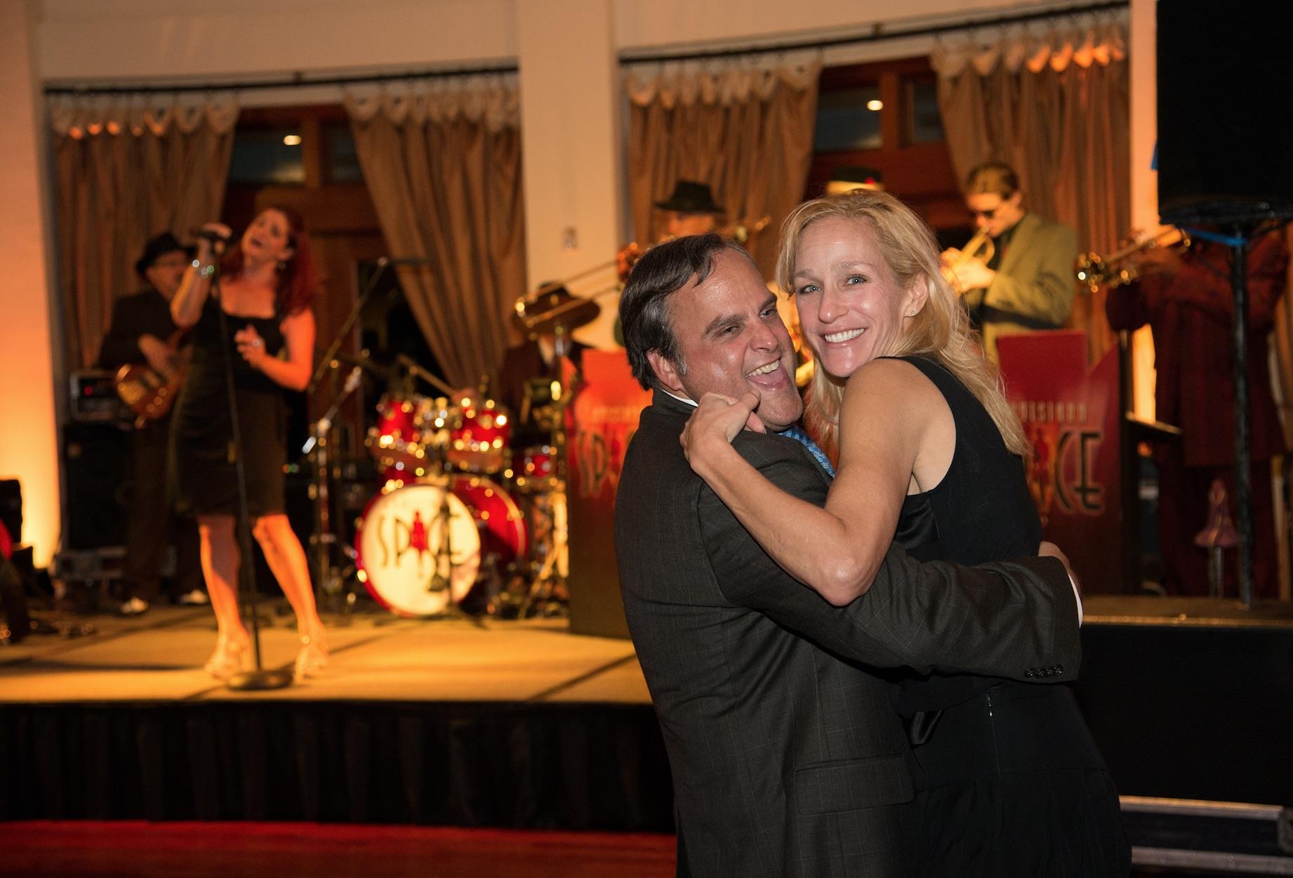 Couple_Dancing_2014.jpg