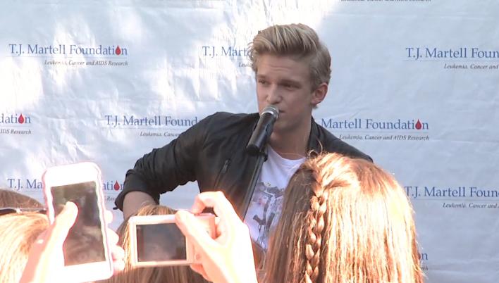 Cody Simpson perf.png
