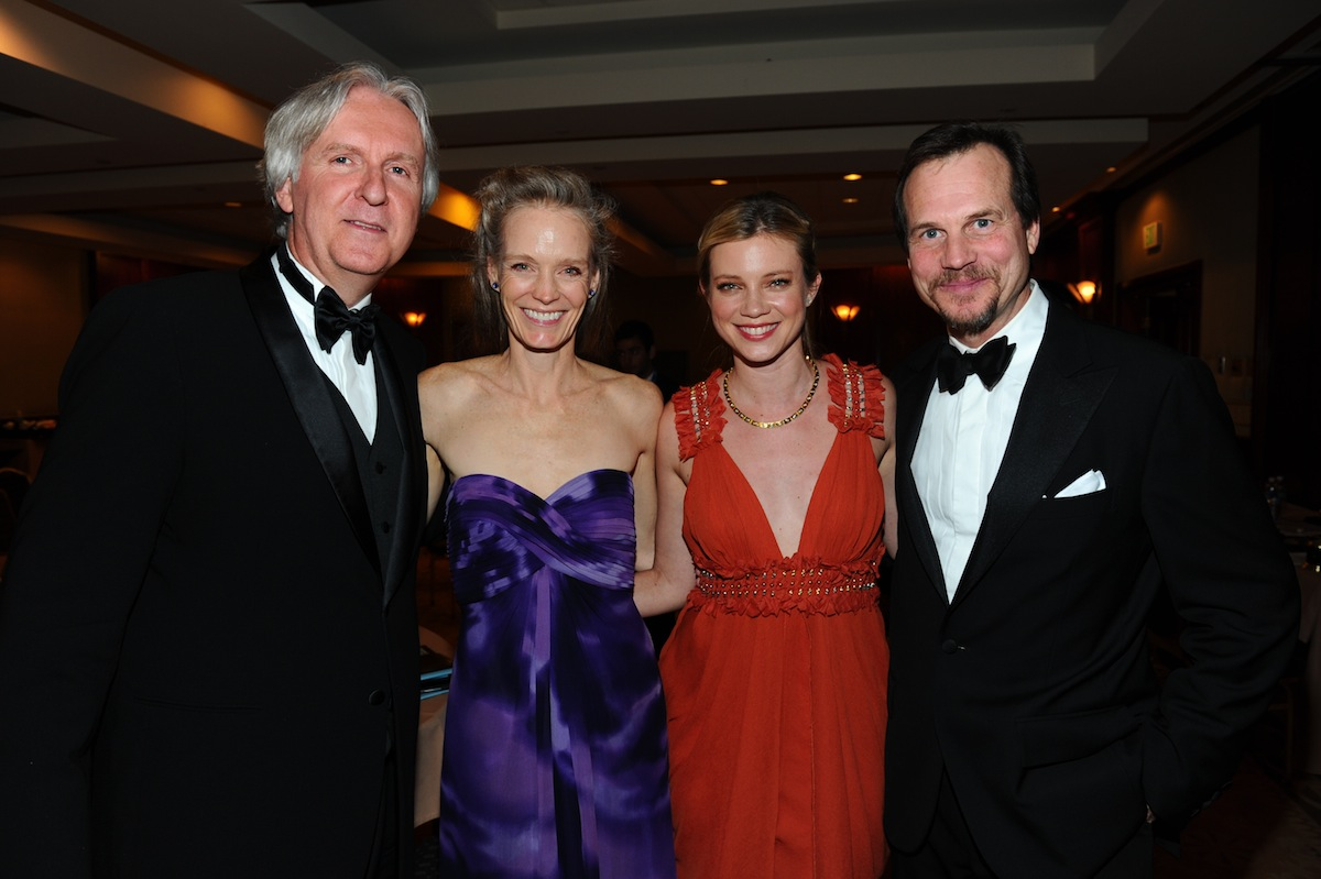 James Cameron, Suzy Amis, Amy Smart & Bill Pullman