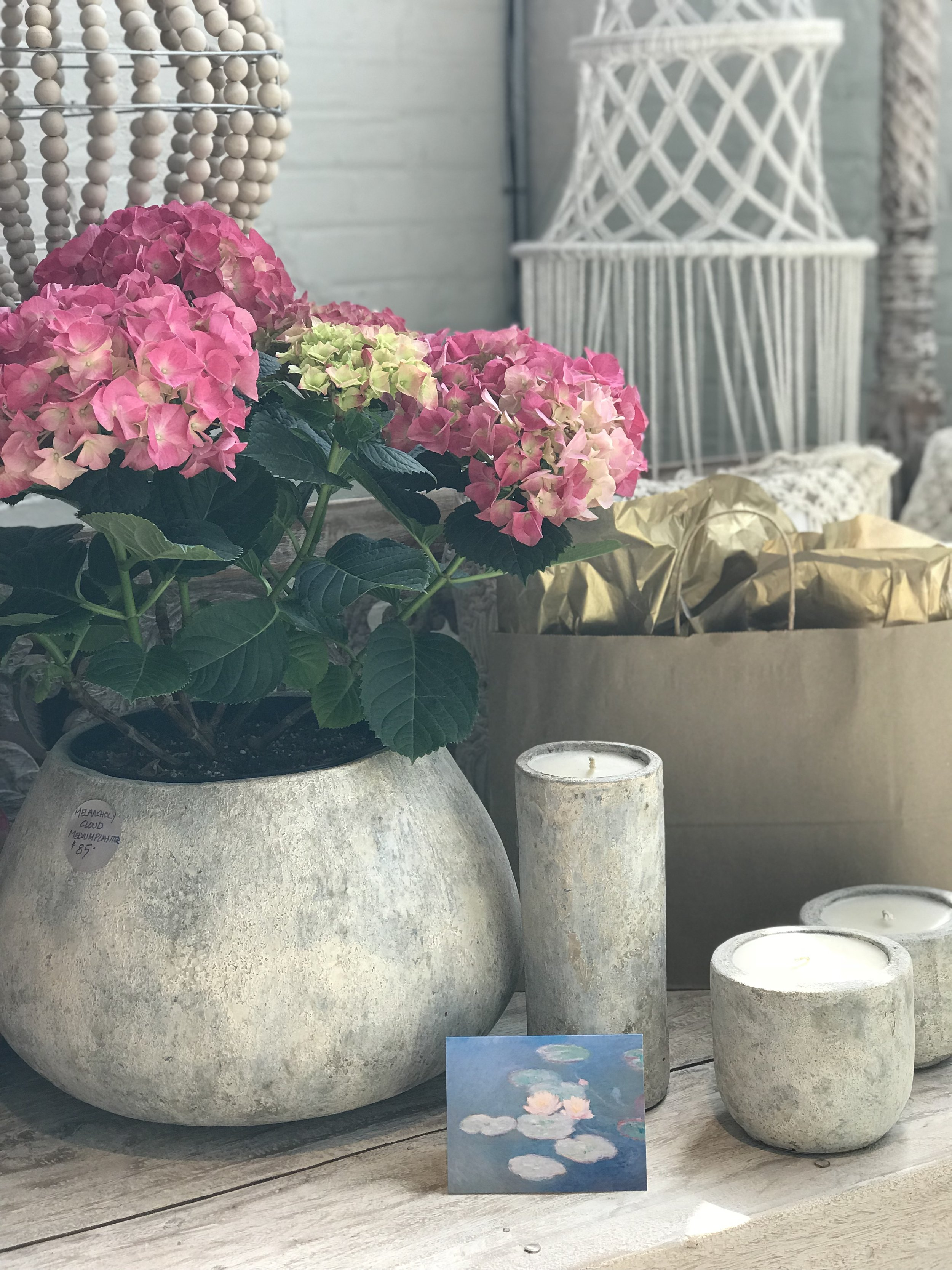 Mother's Day gift guide. Hydrangea, crochet and candles.