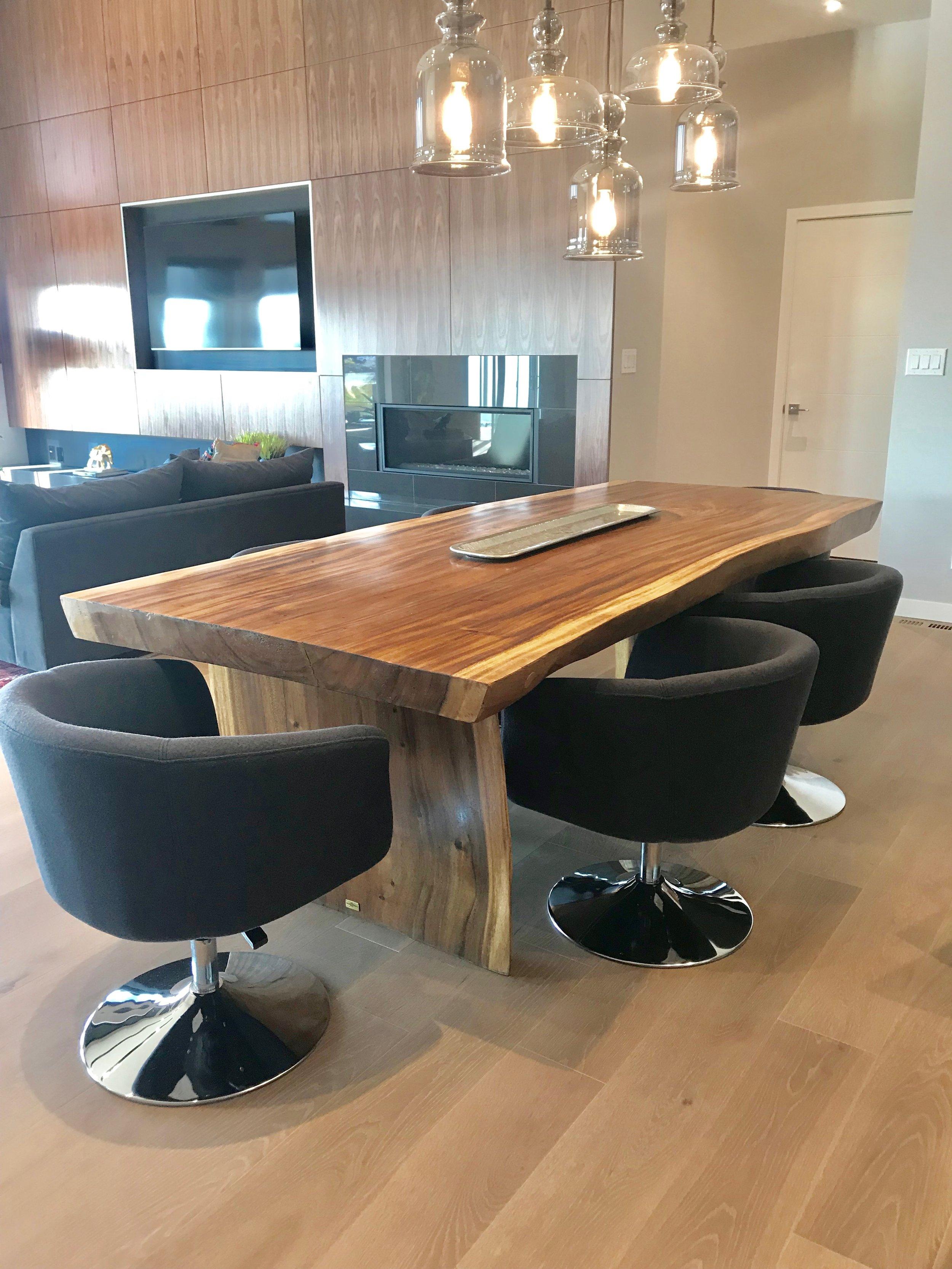 majestic Live edge dining table. Huntington homes show home furniture. Blue Moon Furniture.jpg