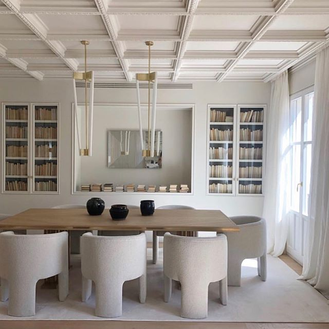 We gather inspiration from so many different sources; nature, fashion, art and even other designers! We love to support other design professionals in our industry and thought we would share some other design work that is truly inspiring.  This week we want to share…this space from @estudiomariasantos . She does all white soooooo well.  ___________________________________________#interiordesign #allwhite #done #right #layers #texture #chairs #dining #luxurylifestyle #white #liketkit #books #bookcase #neutral #diningroom #thosechairsthough #drool #nailedit