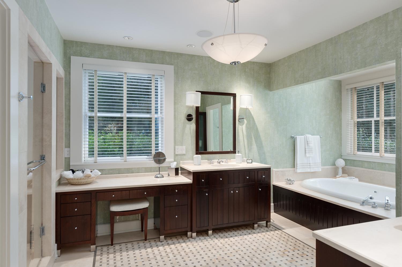 Master Bathroom - WestPacesFerryNW.jpg