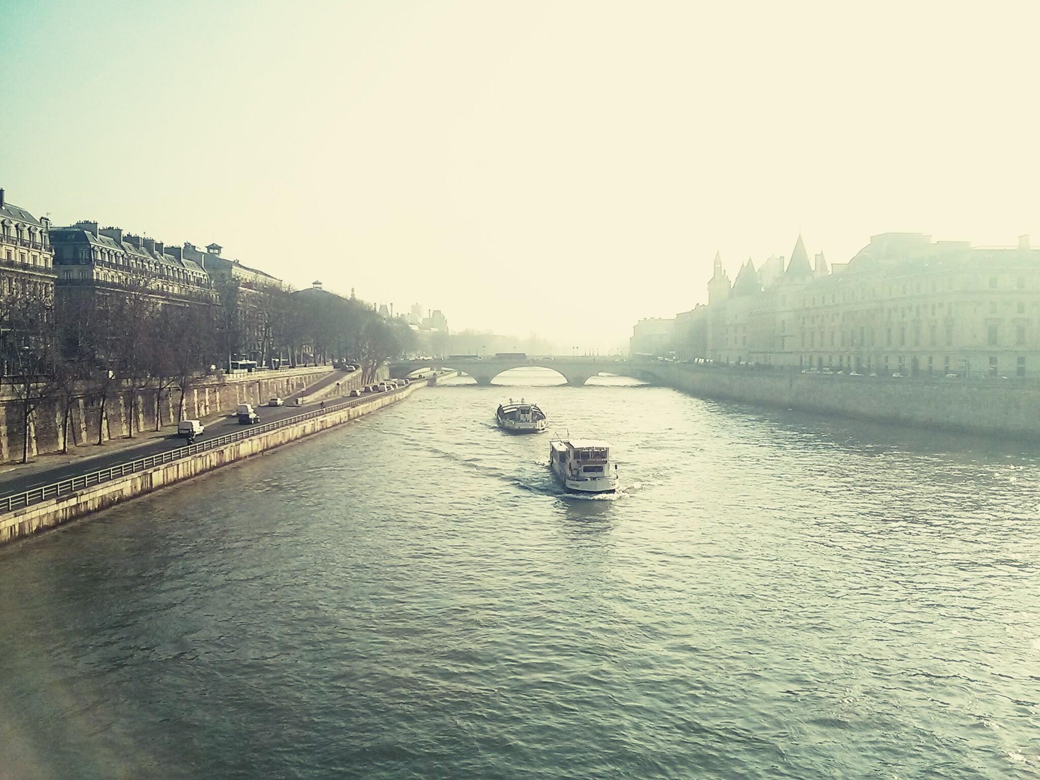 Ponte Neuf pela manhã