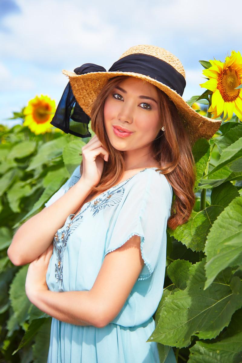 Alessa Sunflower Fields 0309-X3.jpg