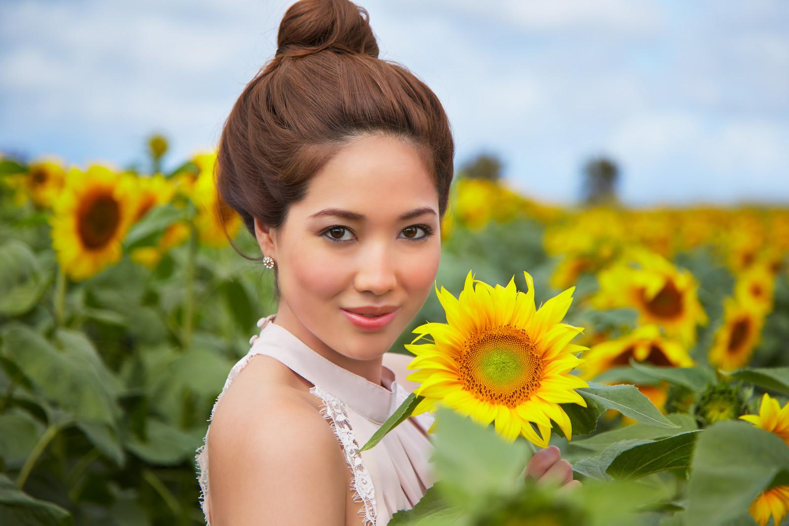 Alessa Sunflower Fields 0485-X3.jpg