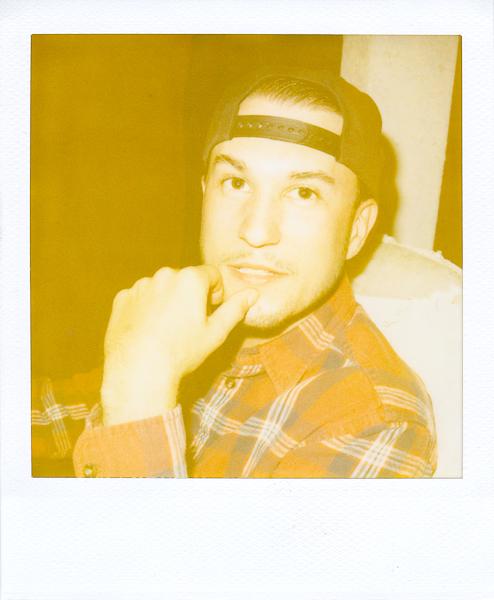 Polaroidsbook 198.jpg