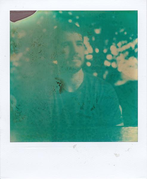 Polaroidsbook 203.jpg