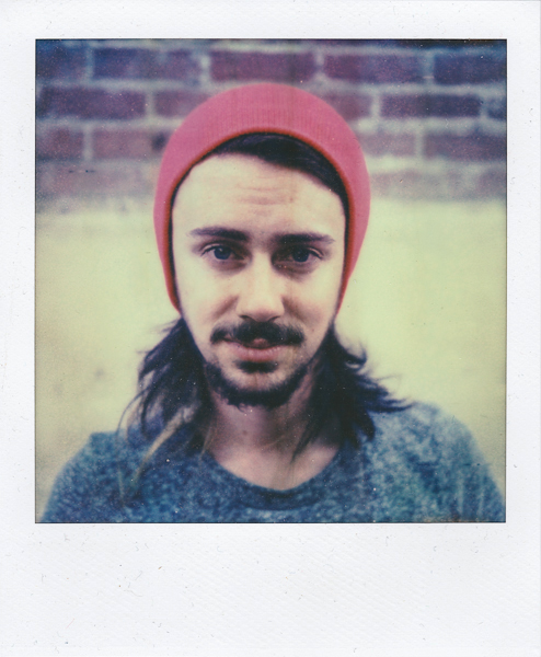 Polaroidsbook 103.jpg