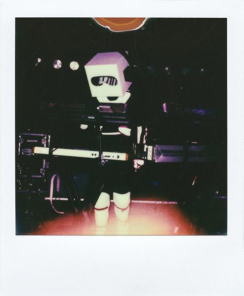 Polaroidsbook 218.jpg