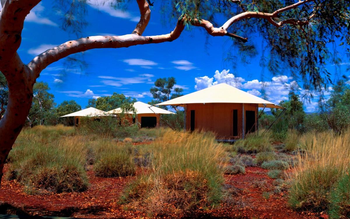 Karijini Eco Retreat offers a range of ecotourism experiences, including the ever-popular 'glamping'.  Image:   http://www.karijiniecoretreat.com.au/