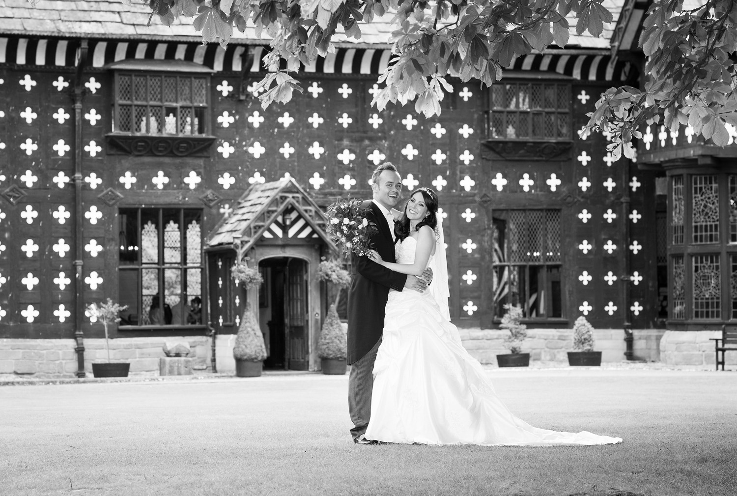 samlesbury-hall-weddings-016.jpg
